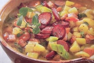 Kolbászos - húsos téli zöldségleves