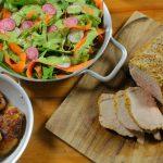 Egészben sült karaj zöld salátával – Serpenyős sült krumplival