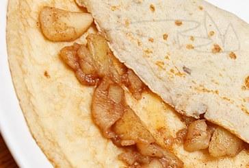 Teljes kiőrlésű palacsinta – karamellizált almával és Juharsziruppal