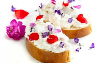 Vaníliás kalács gyümölcsös krémmel - Rózsával