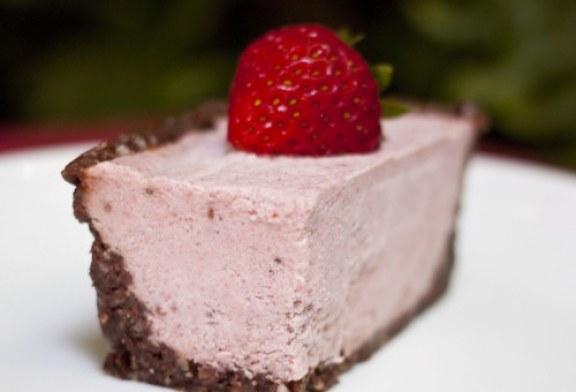 Tojás és sütés nélküli csokis - Joghurttorta, mennyei gyümölcsös kísértés!
