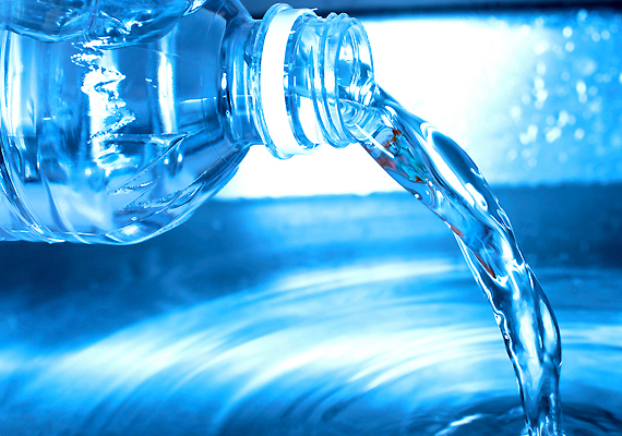 sok-so-van-benne-keveset-adj-a-gyereknek-asvany-viz