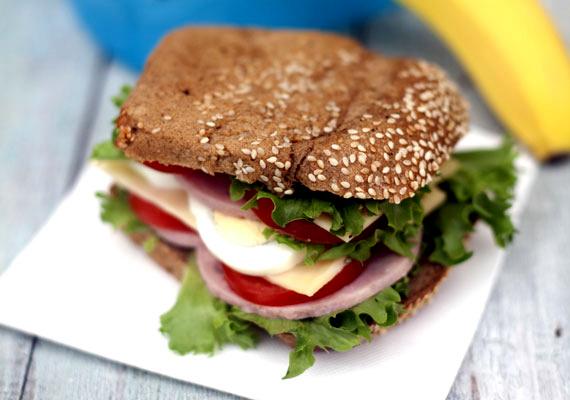 szendvics-sonkas-gyerekeknek-reggeli-egeszseges