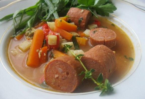 100% PALEO – Zöldség leves főzőkolbásszal
