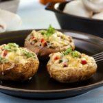 Fogyókúrázók is ehetik – Duplasajtos töltött gombafejek sütőben sütve