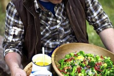 Jamie Oliver - Brokkoli saláta bacon-el, paradicsommal