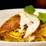 Jamie Oliver féle – Mennyei Mediterrán sült csirke tésztával; recept és videó