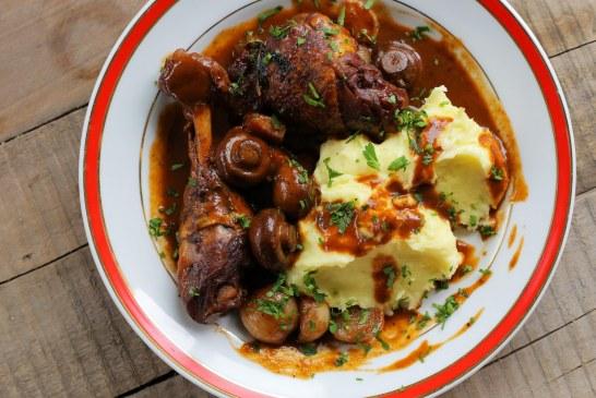 Vörösboros csirke (Coq au vin) - recept