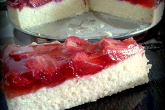 Sütés nélküli, 15 PERCes: TÚRÓtorta eperrel