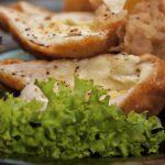 Sajttal töltött hústekercs rántva recept – Ezzel sok dicséretet begyűjtesz