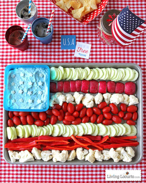 amerikai zászló zöldségek és Dip