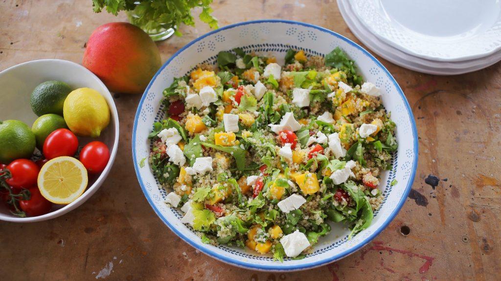 Lili fetasajtos quinoa saláta