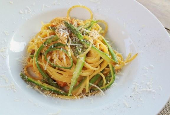 Spárgás carbonara spagetti, recept