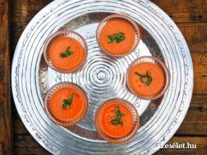 Görögdinnyés gazpacho