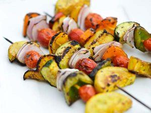Zöldségnyárs grillhez