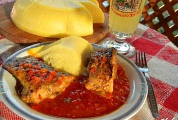 Paprikás hal bográcsban puliszkával, recept