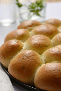 Mozzarellás-fokhagymás minizsemlék
