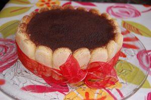 Tiramisu torta formában
