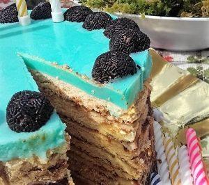 Kávékrémes torta tükörzselé tetővel
