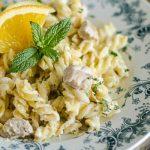 15 perces: Isteni tészta sajttal, tejföllel és tonhallal – recept