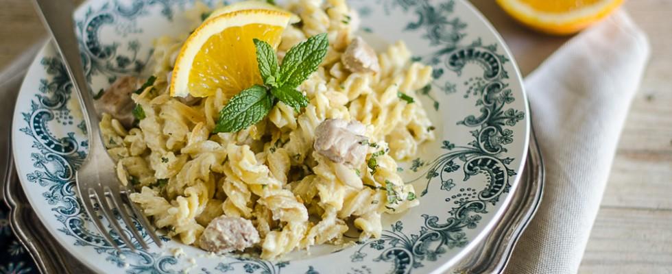 15 perces: Isteni tészta sajttal, tejföllel és tonhallal