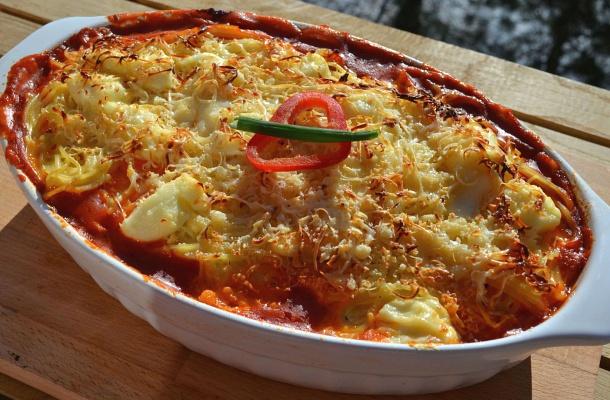Krémsajtos, csirkemelles rakott spagetti sütőben sütve