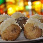 Töltött Héjában sült burgonya – fokhagymás tejföllel:-) rá reszelt sajt:-), recept