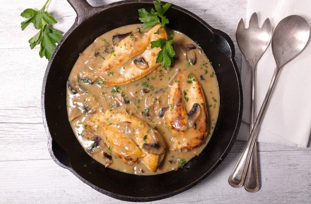 Egyszerű mustáros, serpenyős csirkemell