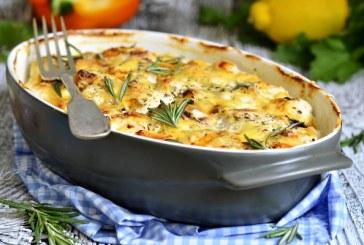 Tejfölben sült csirke sok sajttal - recept