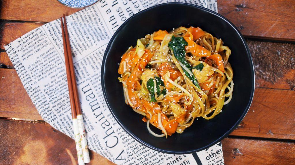 Csirke Chow Mein