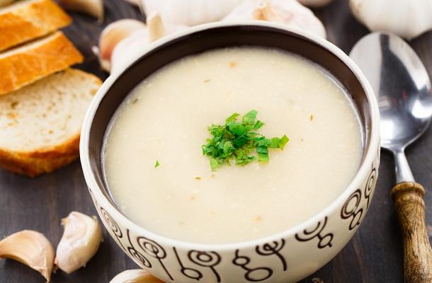 25 perces tejszínes fokhagymakrémleves