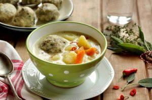 Ízletes gombócos krumplileves