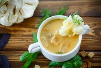 25 perc alatt - Gőzölgő selymes karfiolkrémleves, recept