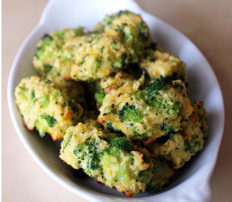 Sajtos-brokkolis falatok