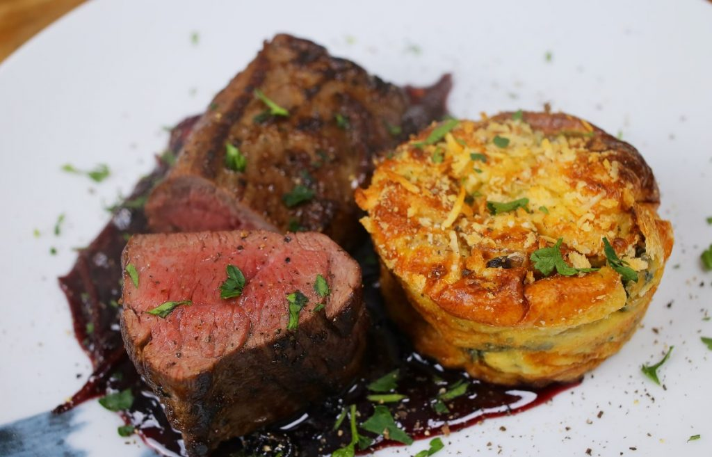 Szarvas steak, spenótos felfújttal