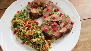Zöldfűszeres báránycomb tabulévall