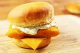 OMG: így készül a Mekis halas burger, recept