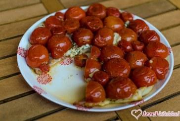Fordított paradicsomos pite fekete erdő sonkával és mozzarellával, recept