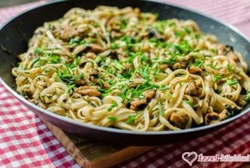 Kínai ötfűszeres csirke metélt tésztával, recept