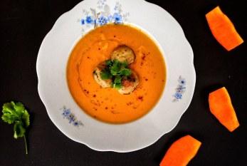Padlizsános sütőtökkrémleves currys húsgolyókkal, recept