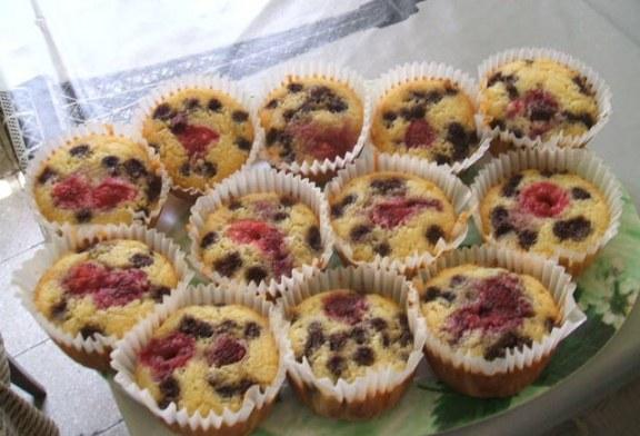 Egyszerű és gyors: Erdei gyümölcsös muffin - recept