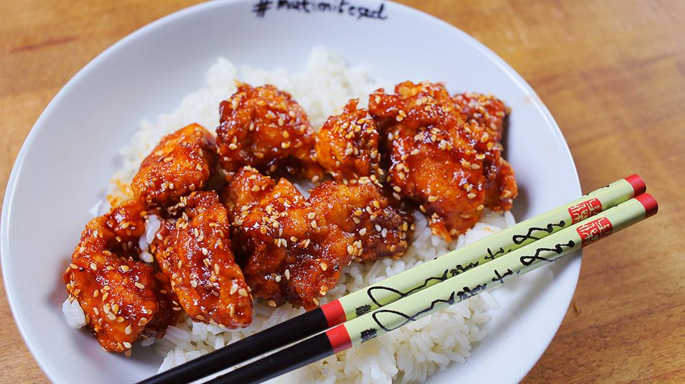 kínai gyorsbüfék szezámos csirkéje
