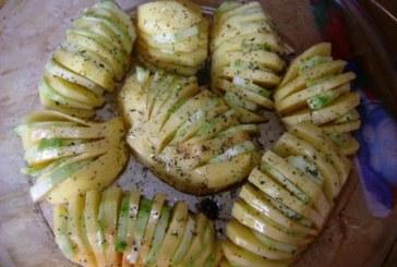 Vagdalt burgonya cukkinival és olvadozó sajttal töltve, recept