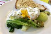 Pak Choi buggyantott tojással - reggeli
