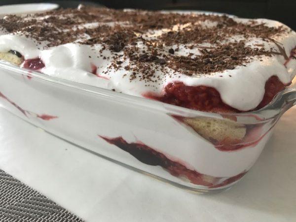 málnás babapiskóta desszert